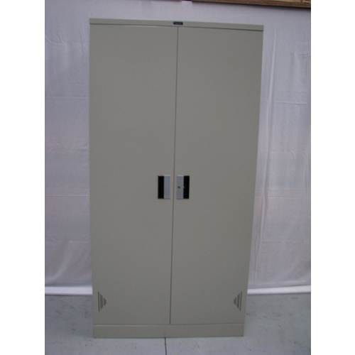 LTGREY LARGE STORAGE CUPBOARD
